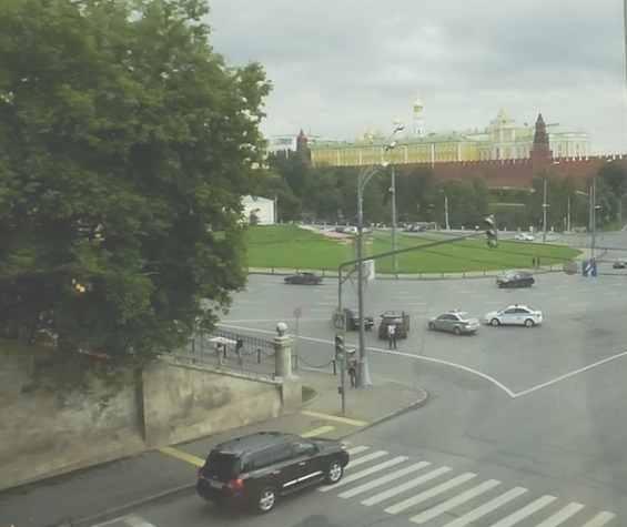 Улица Волхонка. Вид на Кремль