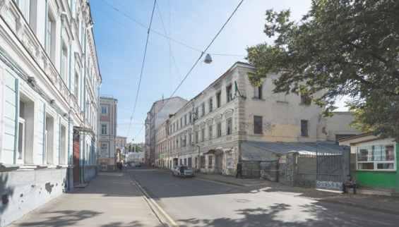 Тихий старинный Подколокольный переулок