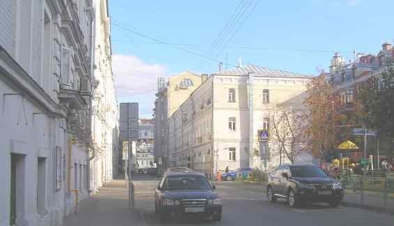 Старинный Колокольников переулок