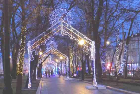 Петровский бульвар вечером
