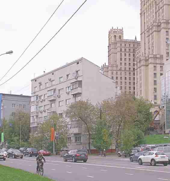 Москва. Конюшковская улица 26