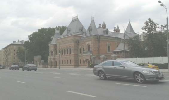 Улица Большая Якиманка. Дом купца Игумнова. Посольство Франции