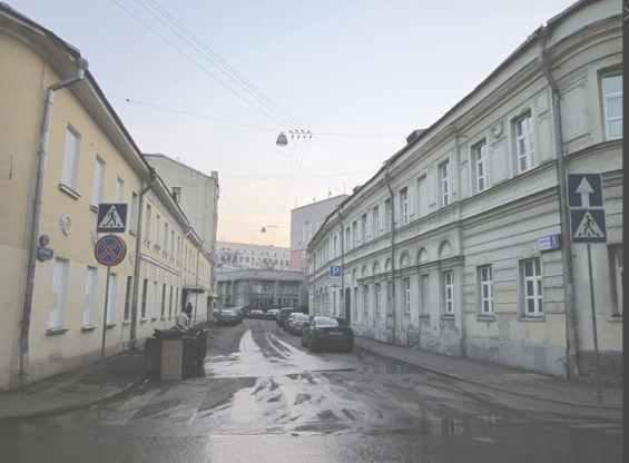 Вид на Сверчков переулок из соседнего Потаповского переулка