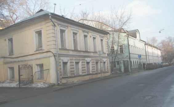 Средний Каретный переулок. Старинные двухэтажные дома