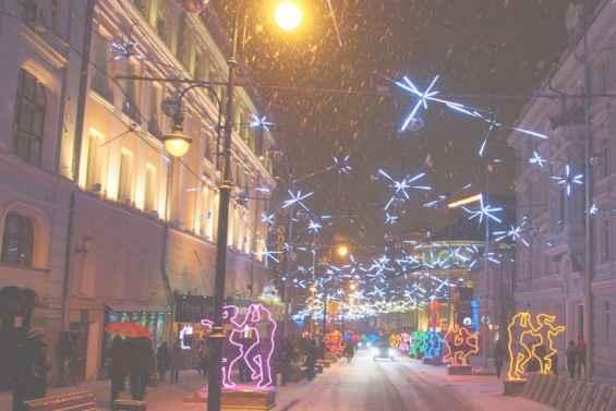 Улица Большая Дмитровка в новый год